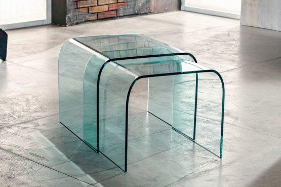Il vetro curvato per il tavolino da salotto di Imago Factory Duo il ritratto