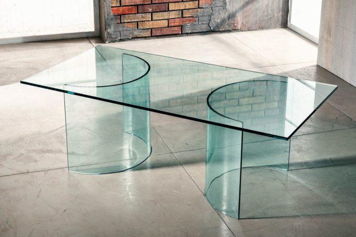 Il vetro curvato per il tavolino da salotto di Imago Factory Phoenix il ritratto