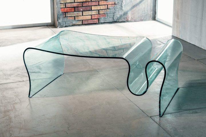 Il vetro curvato per il tavolino da salotto di Imago Factory Sauvage il ritratto