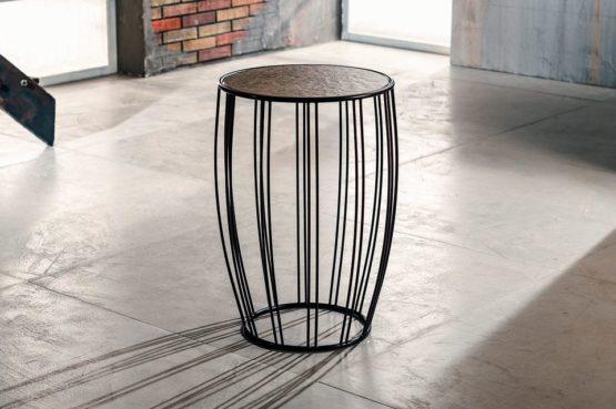 Il metallo per tavolo lampada di Imago Factory Roger: il ritratto
