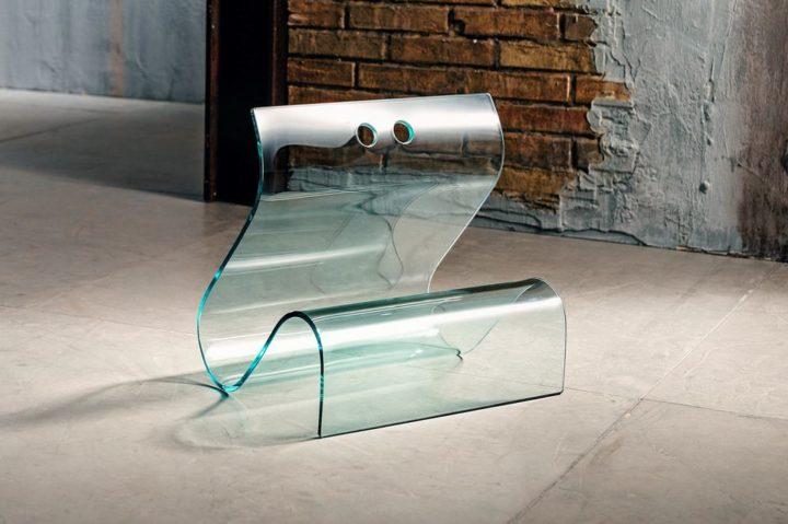 Il vetro curvato per il porta riviste di Imago Factory Papyrus: il ritratto