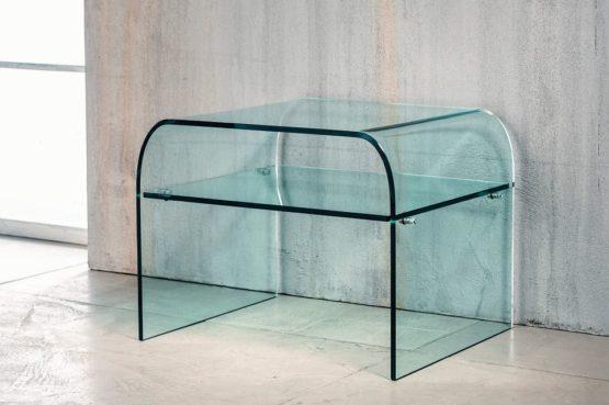 Il vetro curvato per il comodino di Imago Factory Dream: il ritratto