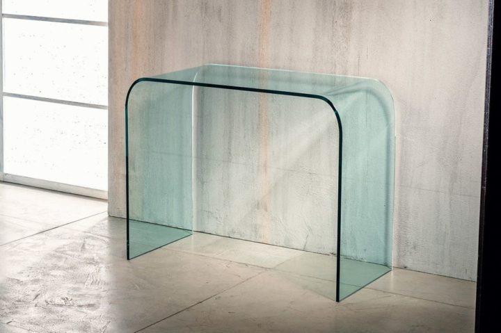 Il vetro curvato per la consolle di Imago Factory Bohemian: il ritratto
