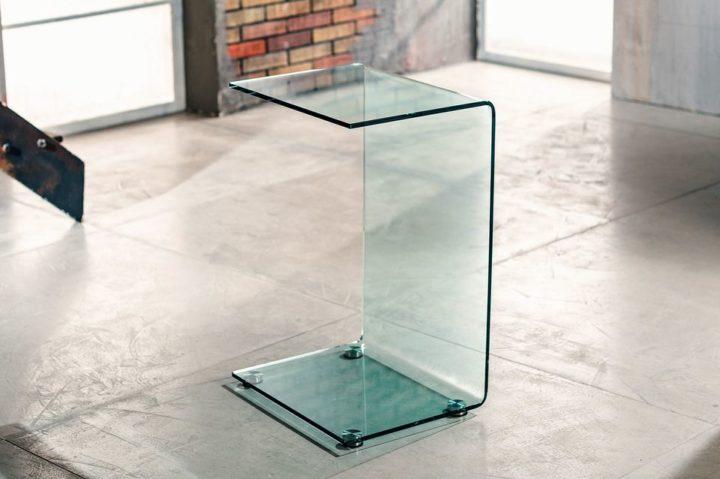 Il vetro curvato per il servetto da salotto di Imago Factory Cloud: il ritratto
