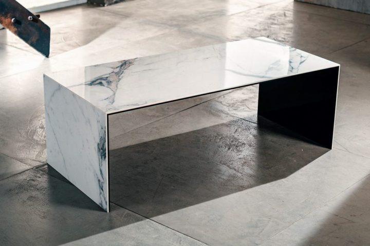 La ceramica laminata per il tavolino da salotto di Imago Factory Arabesque: il ritratto